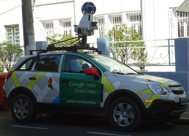 Fotos Curiosas - Carro do Google Street View - Ubá-MG